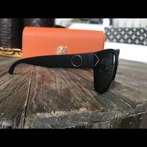 Tory Burch Accessories - BRAND NEW Tory Burch Sunglasses